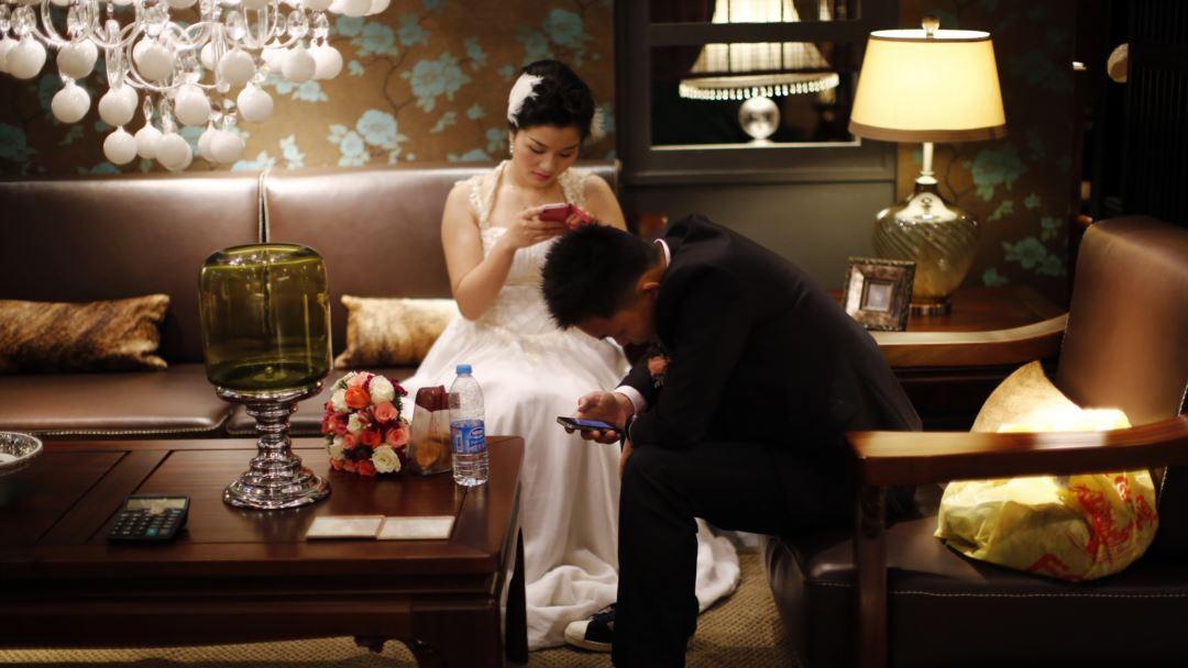 Fotografi Wedding Apa Bagaimana Memahaminya: Bagaimana Anda Akan Menghabiskan Malam Pertama Anda