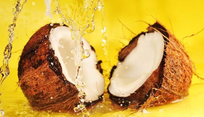 Manfaat kelapa untuk mencerahkan kulit