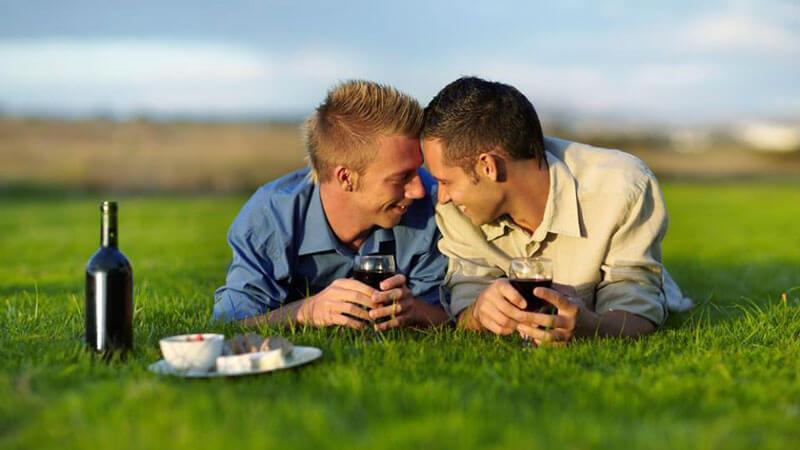 Pasangan gay di Indonesia