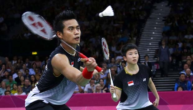 teknik smash badminton