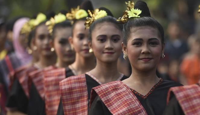 budaya senyum indonesia