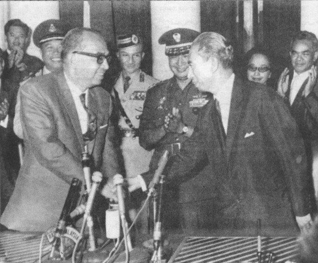 Akhir konfrontasi dengan perjanjian perdamaian