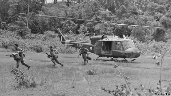 Angkatan bersenjata Indonesia menyerang Malaysia