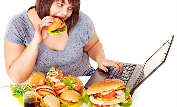 Kebiasaan memakan makanan junk food