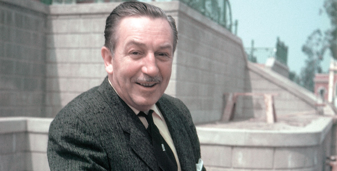 Walt Disney adalah pelopor film animasi dunia