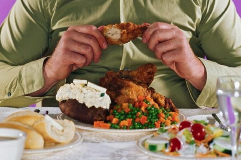 makan berlebihan