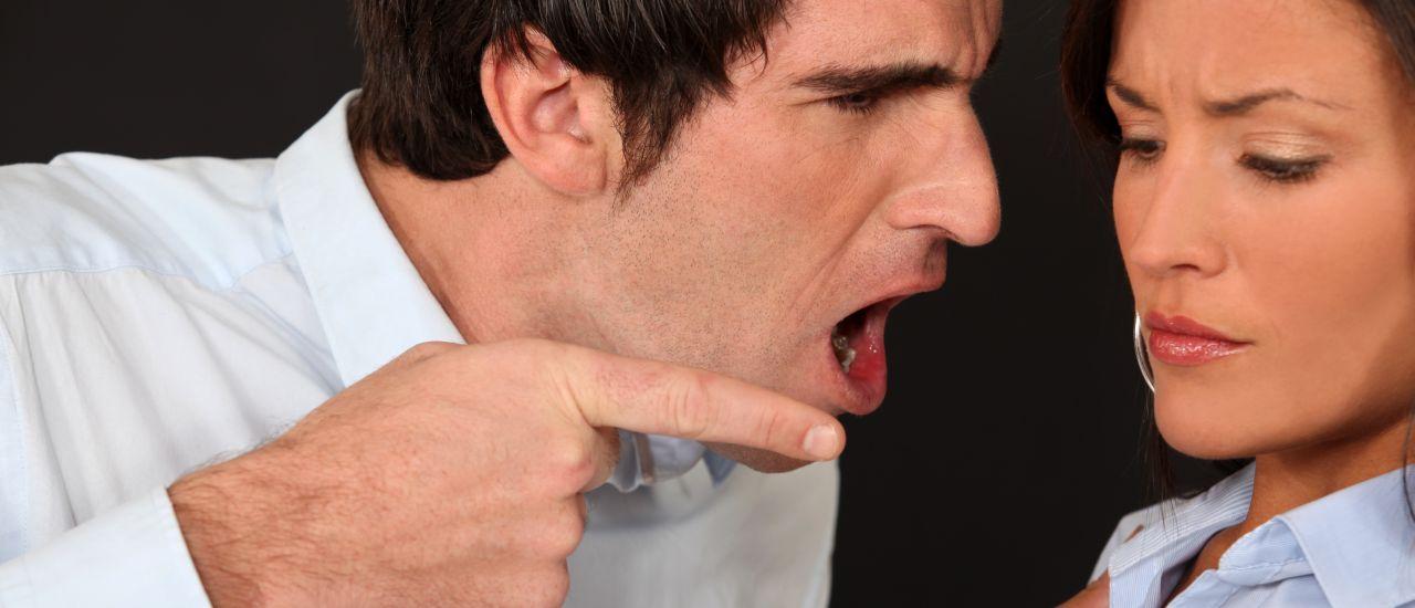 kekerasan emosional dan verbal