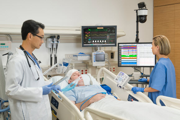 monitor ICU 4