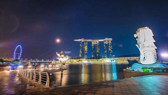 tinggal di Singapura