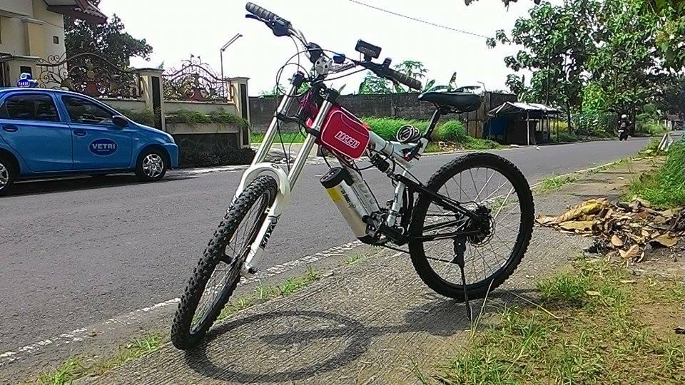 perbedaan sepeda listrik dengan sepeda biasa