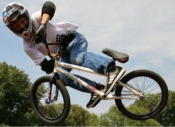 atraksi sepeda