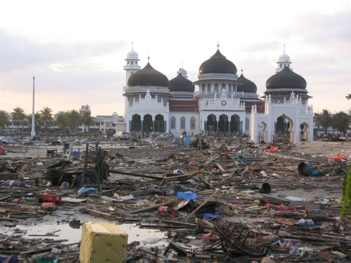 dampak tsunami aceh