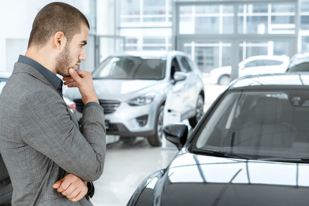 Mobil baru vs mobil second